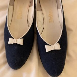 Shoes - Blue With White Bow Vintage 1960s Pumps